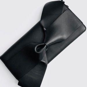 Handbags - a•new•day ▪️ Bow Zip Clutch 🎀